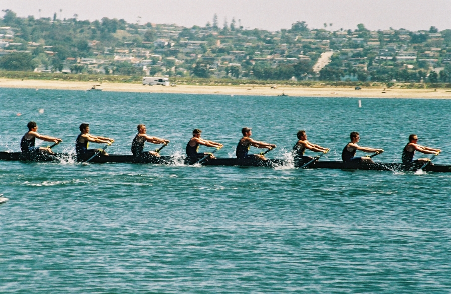 Cal men pulling: Taken at the San Diego Crew Classic on Sunday, April 4, 2004.