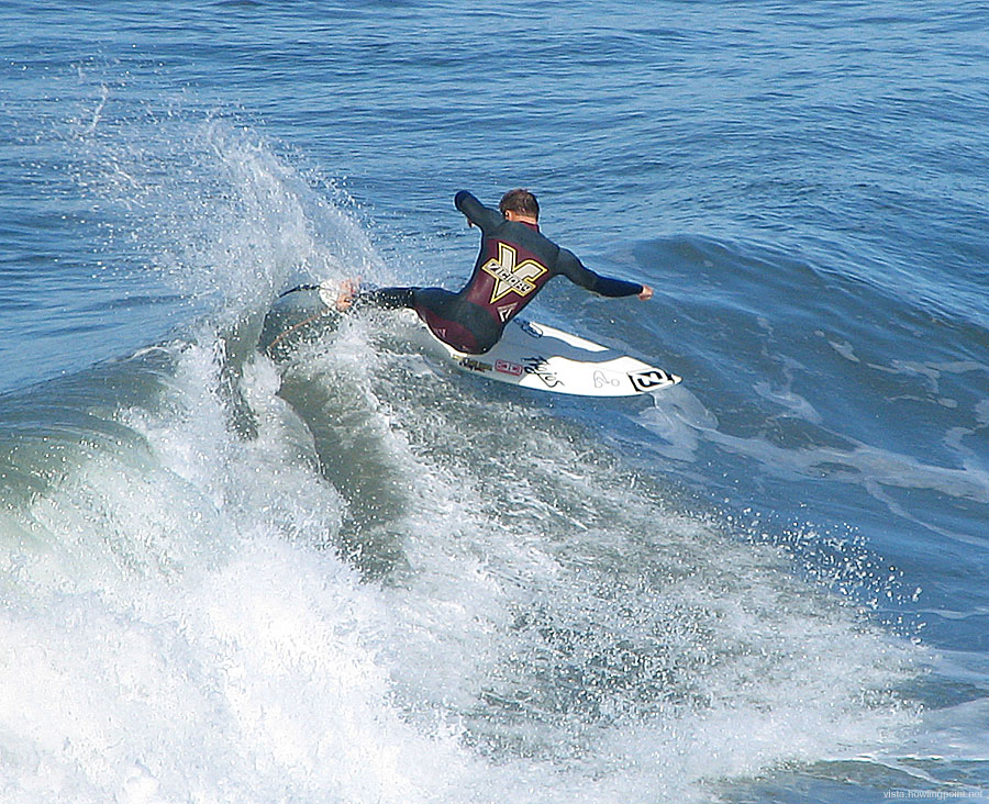 Friday a.m., September 21, 2007: Carving deep in a morning session north of the Oceanside Pier.